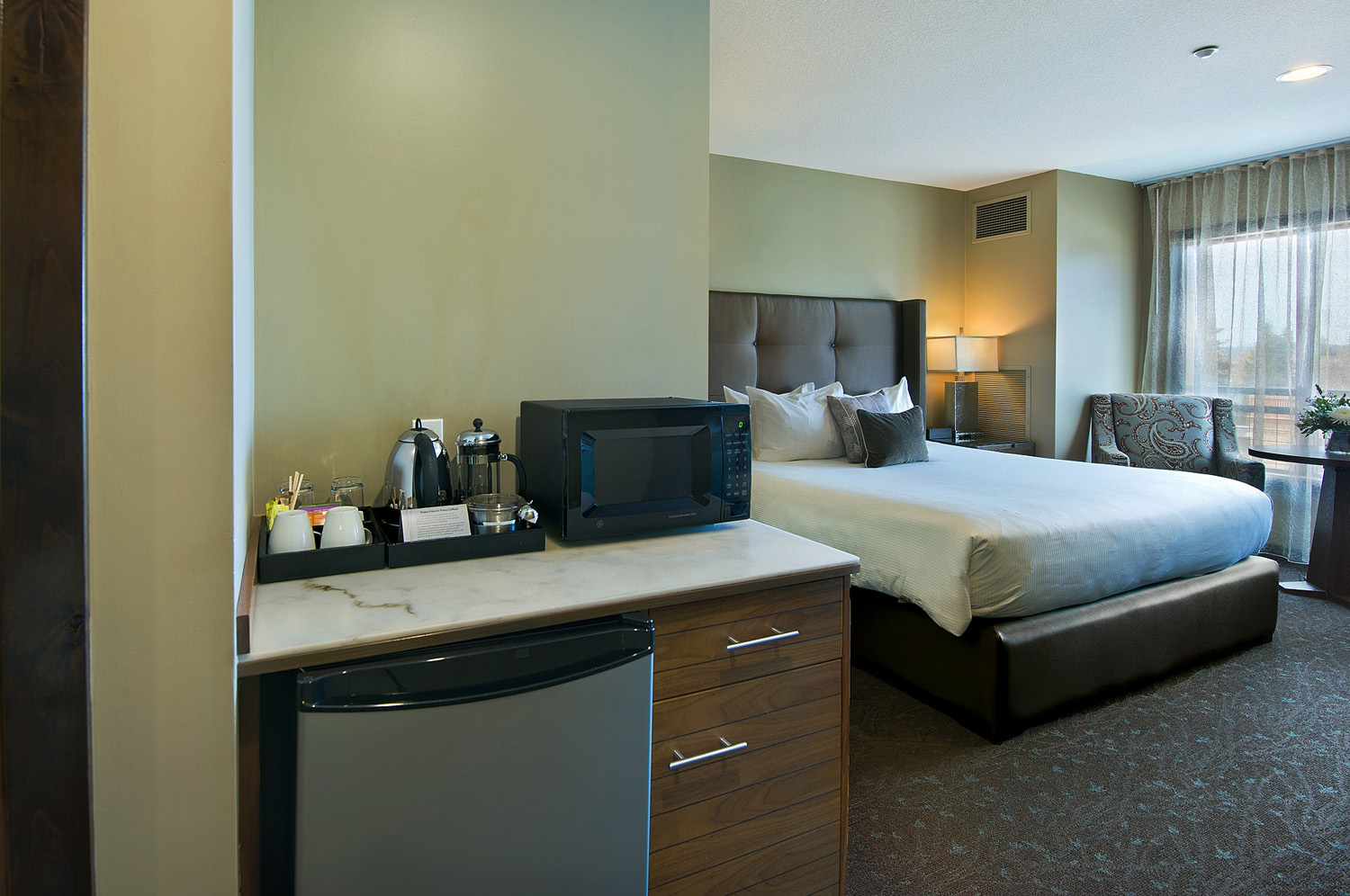 Luxurious Handicap Accessible Rooms in Bend Oregon | Oxford Hotel Bend